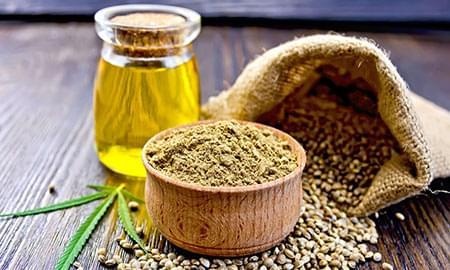 Nasycona marihuaną oliwa z oliwek