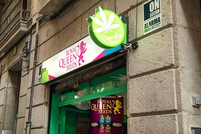 b0e7075af Carrer Del Carme: Nowy Firmowy Sklep RQS na Starym Mieście w Barcelonie.  RQS Barcelona Shop. Royal Queen ...